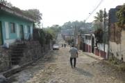 Calle El Tazumal, Col. Cuscatlán