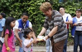 Entrega de Juguetes en comunidad El Guarumo
